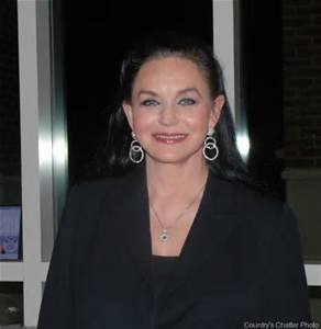 Crystal Gayle Invited To Join The Grand Ole Opry.