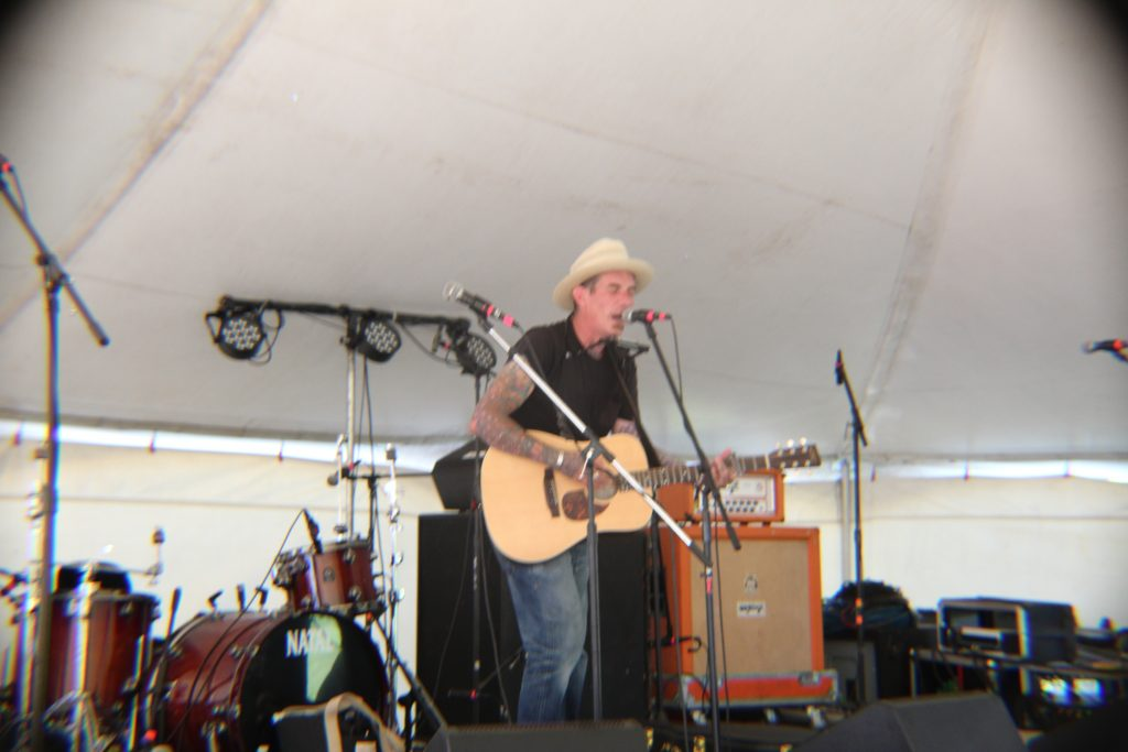 Muddy Roots Part 2  – Gary Hayes Country